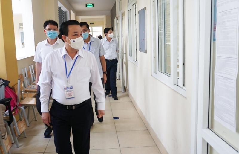 Phó Chủ tịch UBND TP Hà Nội Chử Xuân Dũng Công tác phòng, chống dịch tại các điểm thi được thực hiện bài bản, đúng quy định