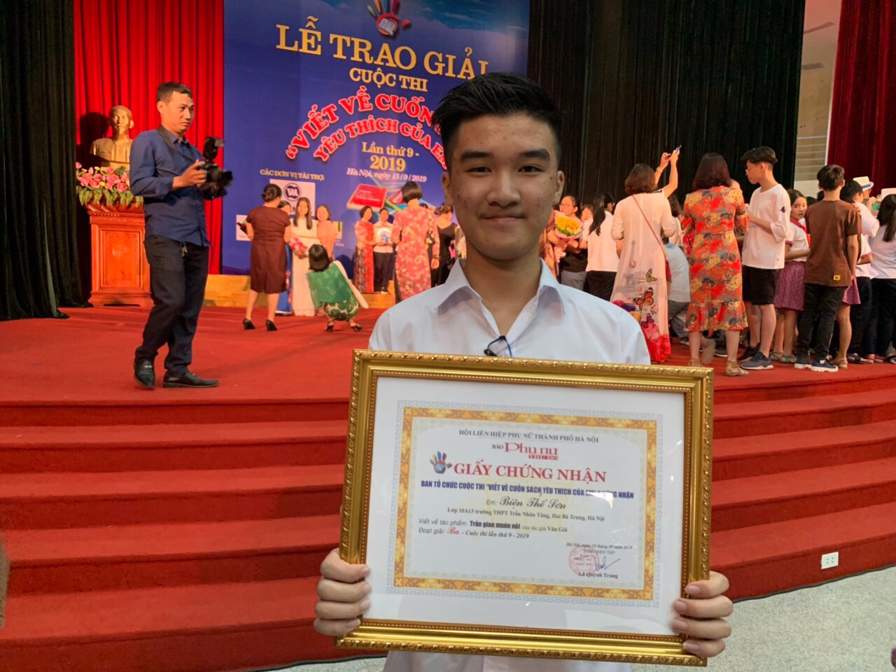 Chúc mừng em Biện Thế Sơn học sinh lớp 10A13 đã đạt giải Ba cuộc thi: \